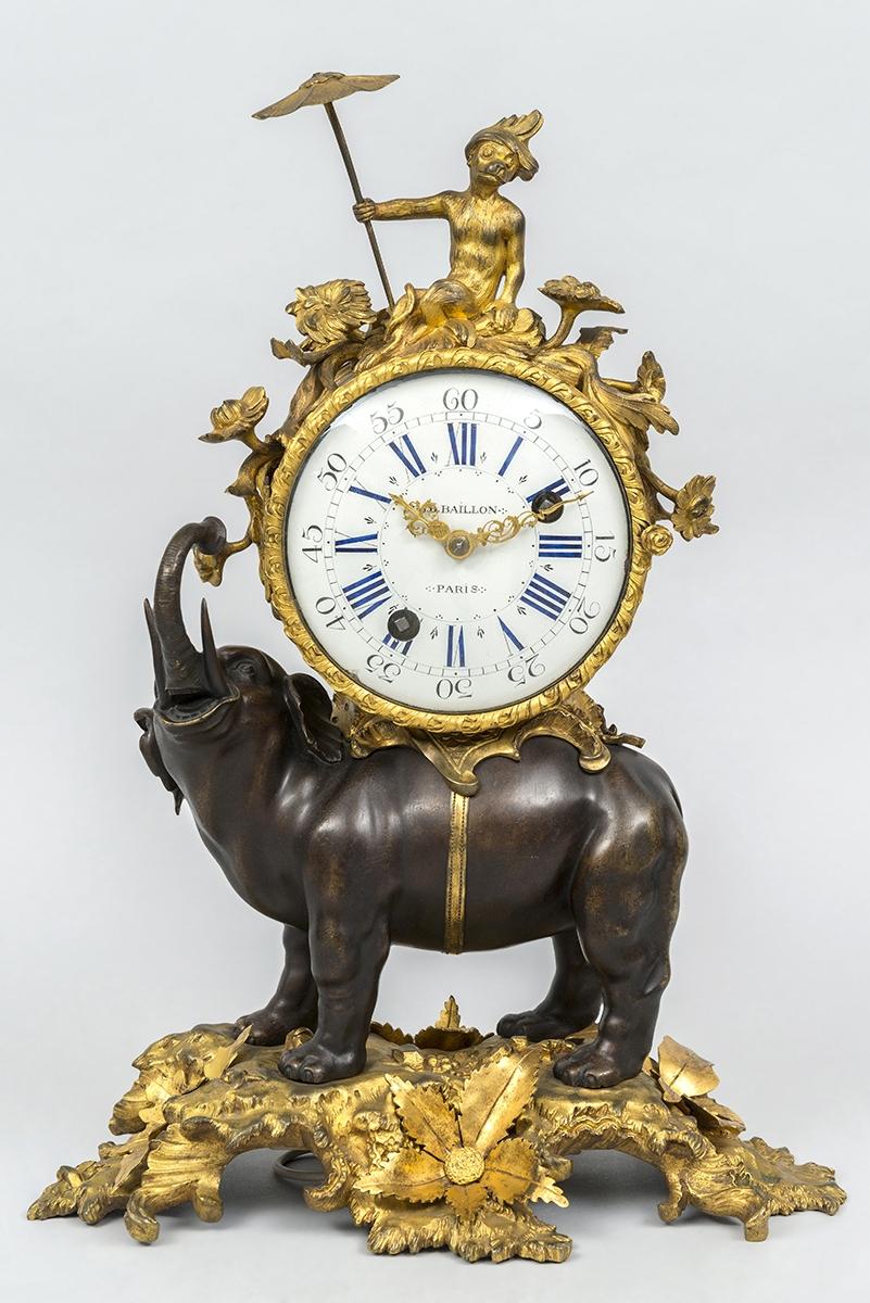 140 - Pendule à l'éléphant en bronze, le cadran signé J.B Baillon, époque Louis XV. Adjugé 35 000€