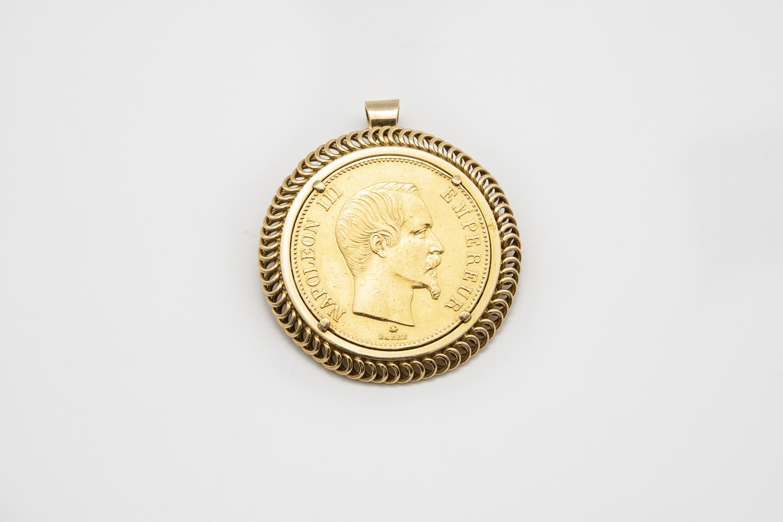 10 - Pièce de 100 francs or Empire Français datée 1859. Adjugé 1350€