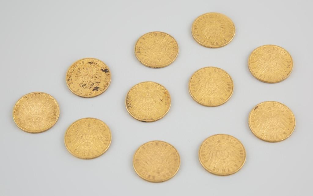 3- Onze pièces de 20 Reichsmarks. Poids total 87,3g. Adjugé 3200€