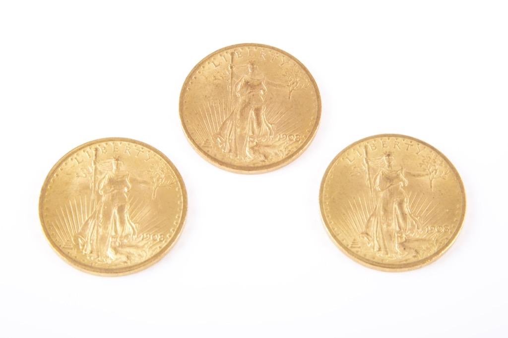 129 (1) Lot de trois pièces de 20 dollars or (statue sans devise) 1908 Philadelphie. Poids total 100,3g. Adjugé 4200€