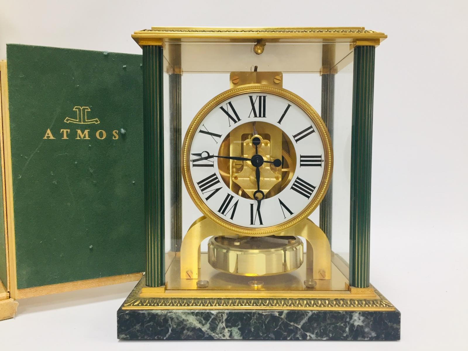 110 - JAEGER LECOULTRE. Pendule Atmos Vendôme à mouvement perpetuel en bronze. Adjugé 750€