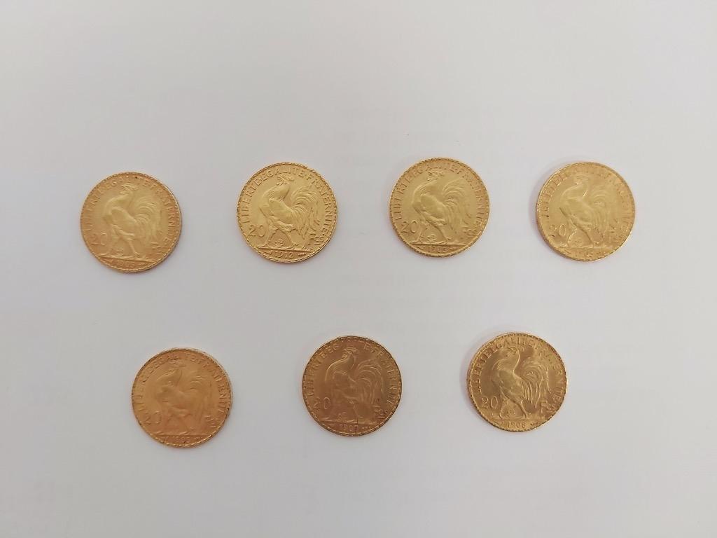 4-1 Lot de 7 pièces de 20 Francs or. Poids total 45,2g. Adjugé 1900€ (1) 2
