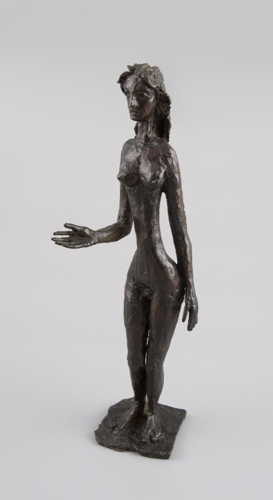 93- Apelles FENOSA. Monica, 1958. Epreuve en bronze à patine foncée, signée et numérotée II-5. Fonte Susse. 28x9,5x7cm. Adjugé 1600€