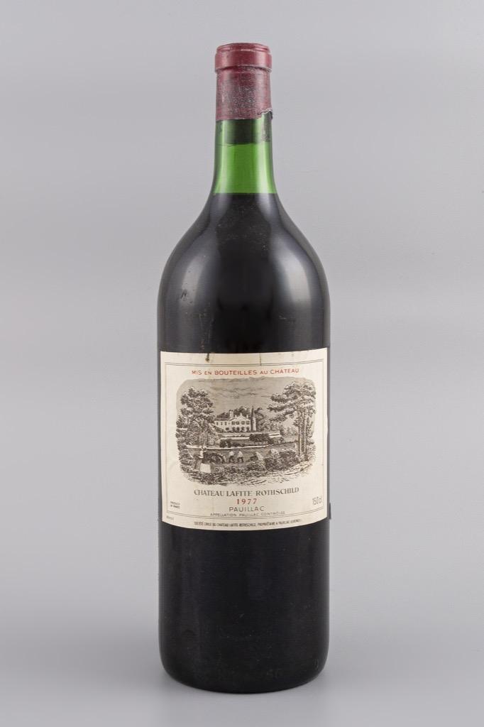 53- Pauillac, Château Lafite Rothschild 1977. 1 Magnum. Adjugé 450€
